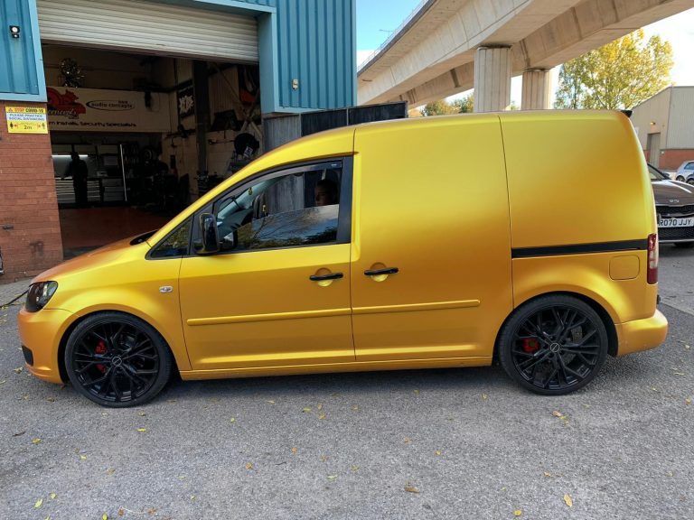 Custom VW Caddy with 9 Inch Alpine Screen 834